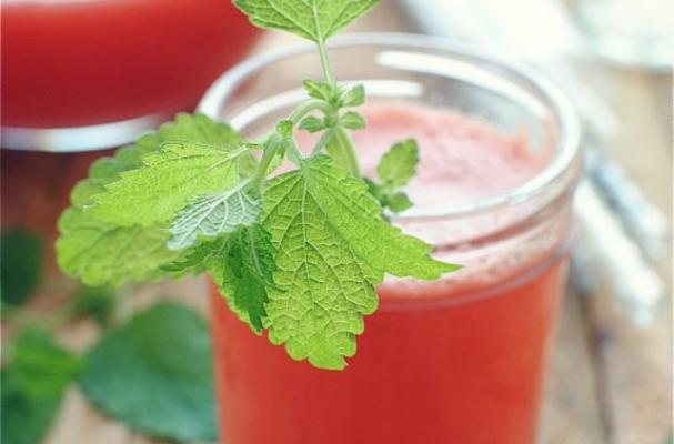 Cool Off With Watermelon Spritzers