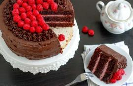 chocolate red wine cake with raspberry filling