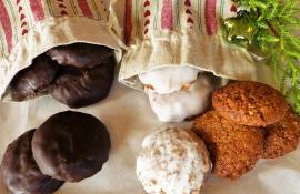Classic Pfeffernüsse Spiced Cookies