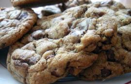 Neiman Marcus Oatmeal Chocolate Chip Cookies